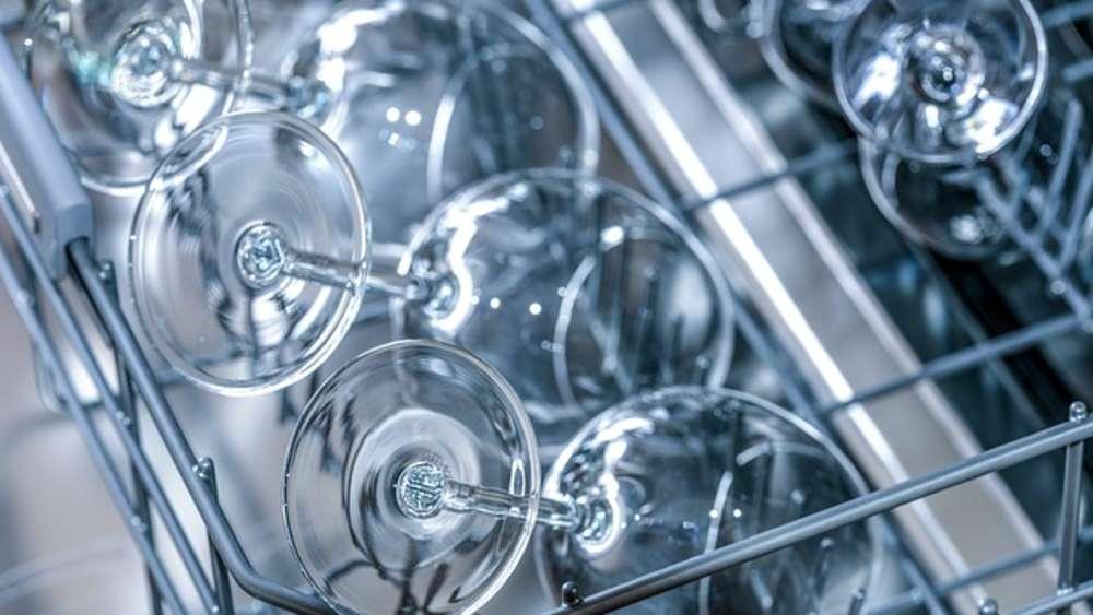 Trube Glaser Durch Spulmaschine Mit Diesen Hausmitteln Glanzen Sie