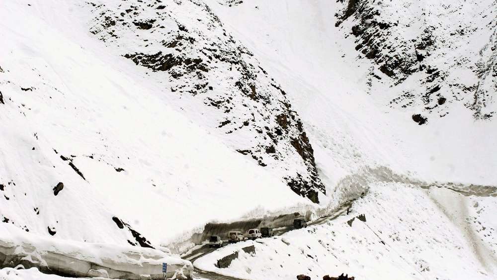 Der Srinagar-Leh Highway in Indien.