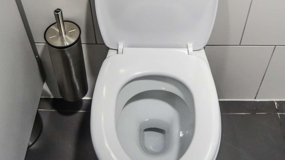 Woher Kommen Eigentlich Schwarze Ablagerungen In Der Toilette Und