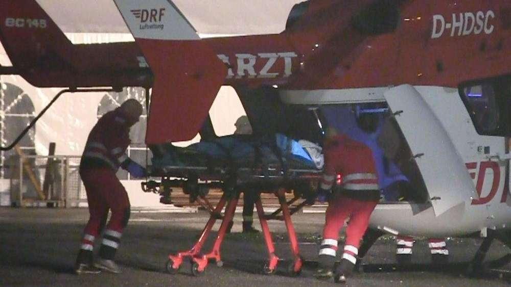 Ein Schwerverletzter musste mit einem Rettungshubschrauber in eine Klinik geflogen werden.