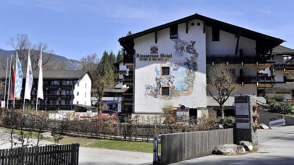 Streit Ums Riessersee Hotel Tobt Garmisch Partenkirchen