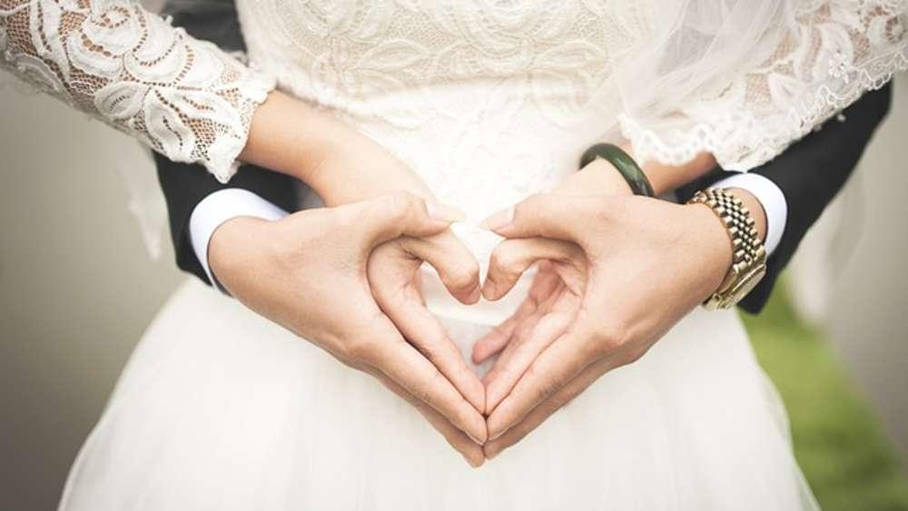 Wie Viel Kostet Eigentlich Eine Hochzeit Geld