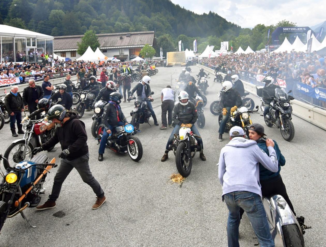 35 000 Biker In Garmisch Partenkirchen Das Sind Die Fotos Von Den