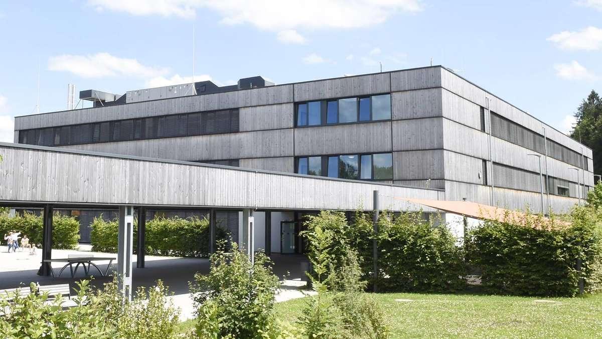 politiker r tseln woher kommen all die neuen sch ler f r die gmunder realschule gmund. Black Bedroom Furniture Sets. Home Design Ideas