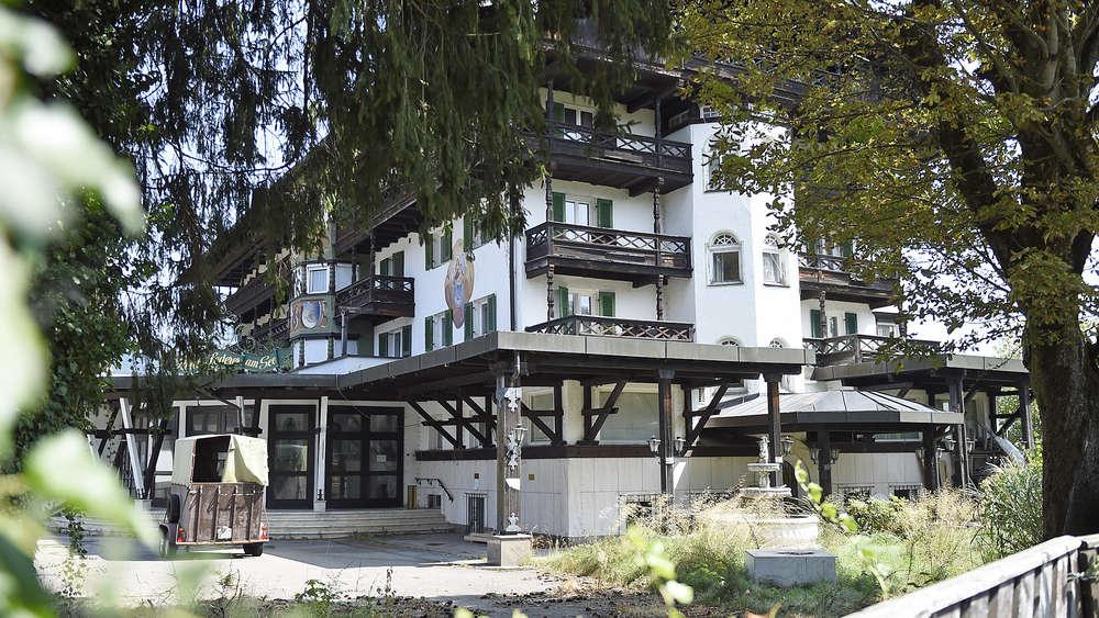 Lederer Vor Dem Abriss Ausverkauf Im Geisterhotel Bad Wiessee