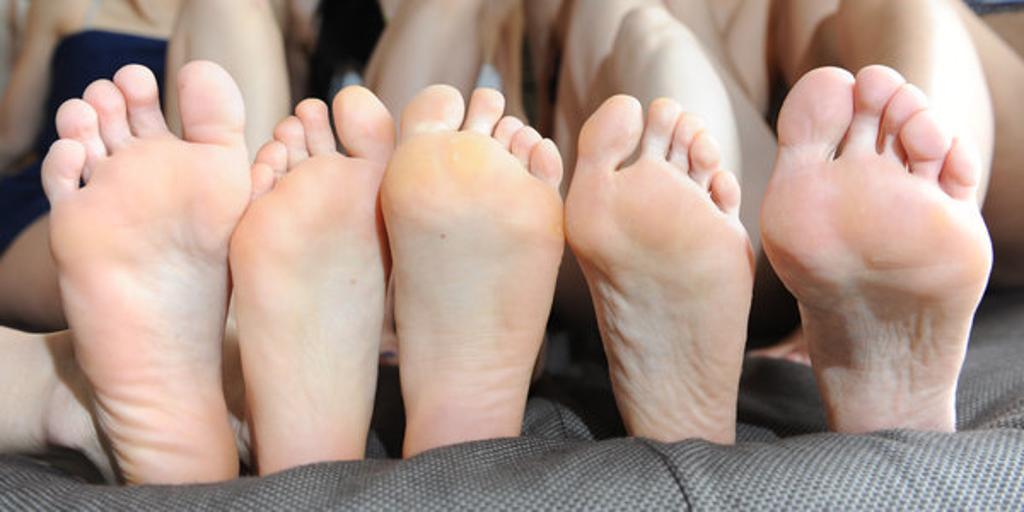 Löcher fußpilz Fußpilz: Symptome,
