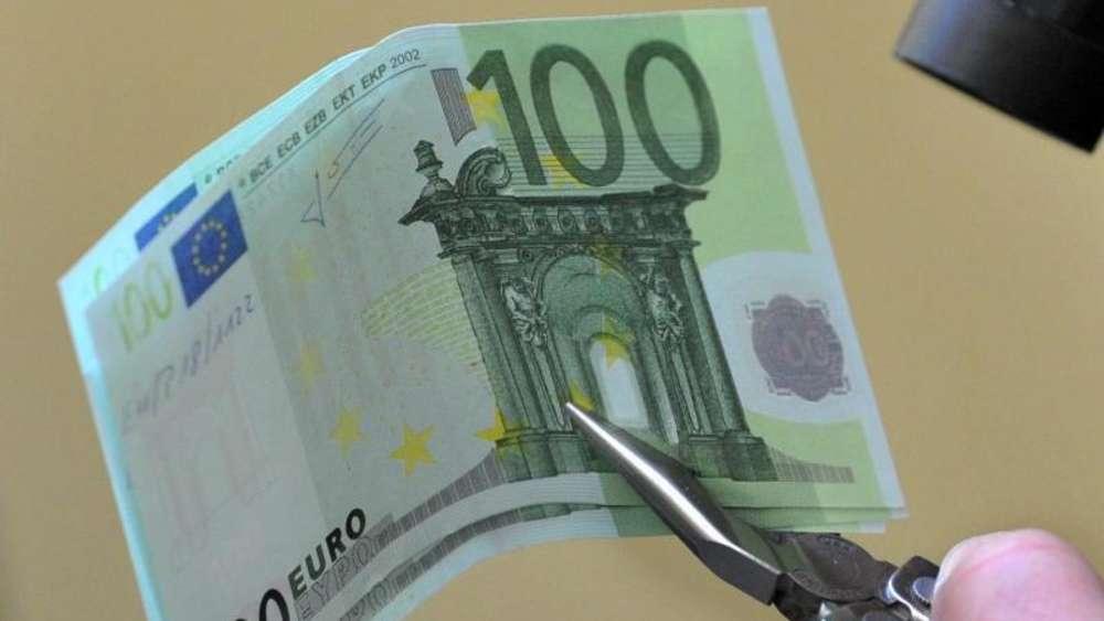 Neue 100 Und 200 Euro Scheine Erhalten Portratfenster Leben