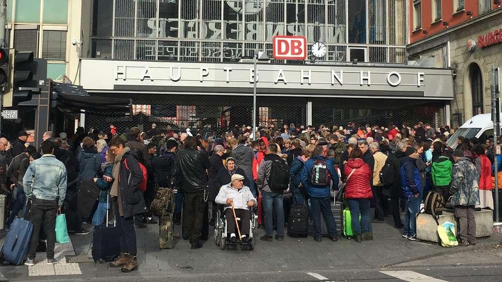 München Hauptbahnhof Und Ostbahnhof Am Mittwoch Geräumt