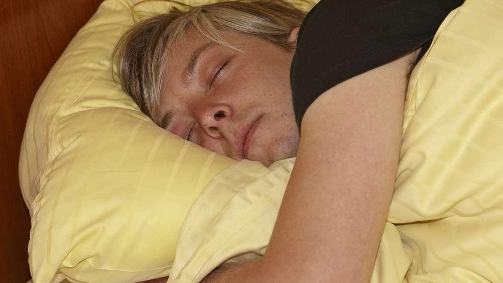 Schlafen Sie Gern Auf Der Rechten Seite Das Sollten Sie Ab Jetzt