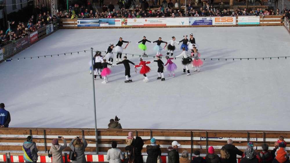 Hannis Eismärchen Eröffnet Die Größte Eisfläche Südlich