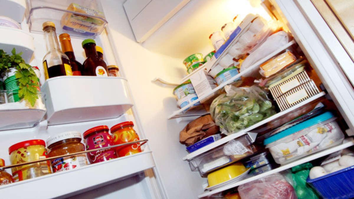 Kühlschrank riecht muffig? Mit diesem simplen Trick ist ...
