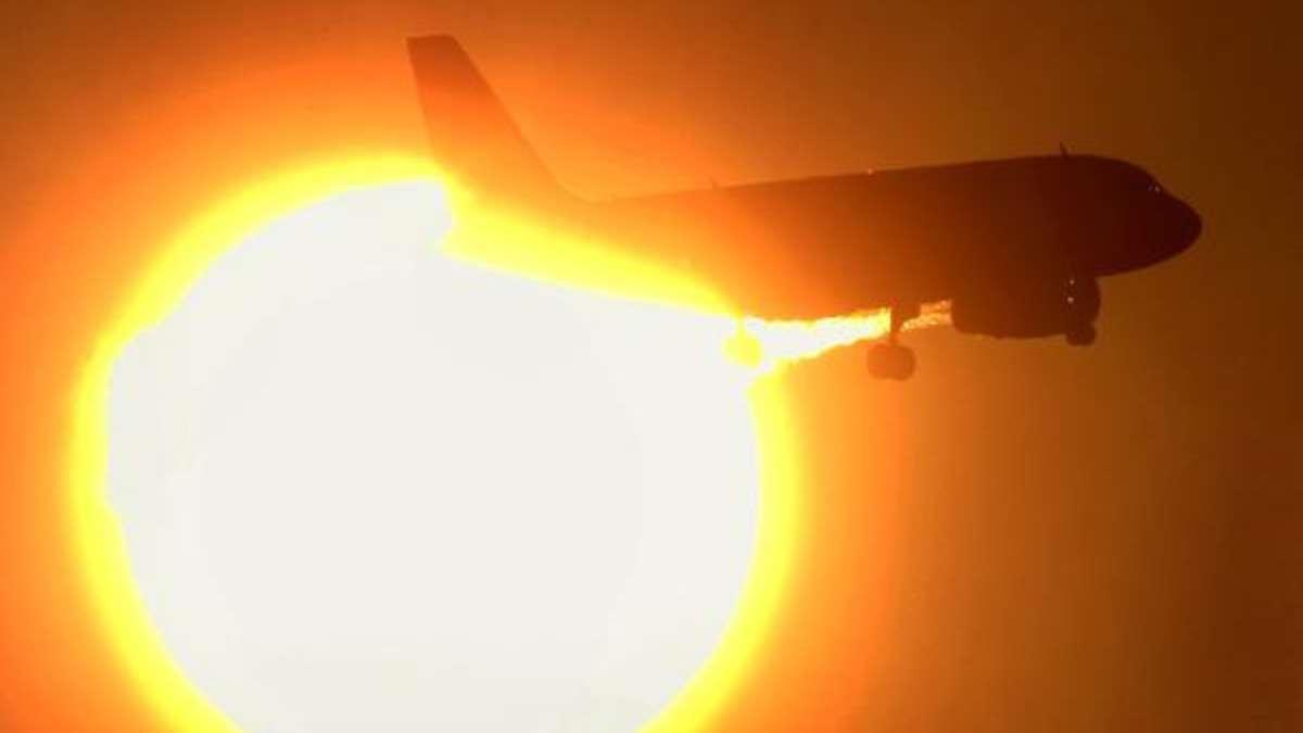 pilot-kann-in-nebel-nicht-landen-aus-diesem-grund-waren-passagiere-begeistert-ber-versp-tung