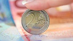 Haben Sie Diese Zwei Euro Münze Dann Sind 25000 Euro Drin Geld