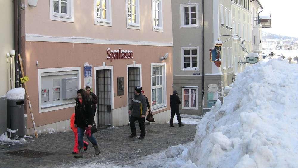Sparkasse Geschäftsstelle In Der Marktstraße Wird Sb Standort Bad