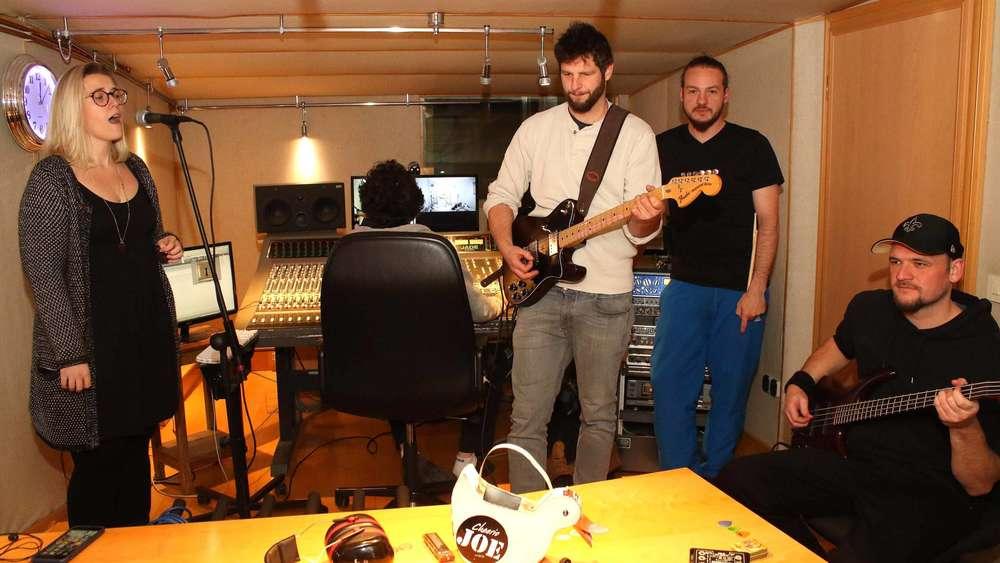 Cheerio Joe Folk Rocker Basteln An Neuem Album Althegnenberg