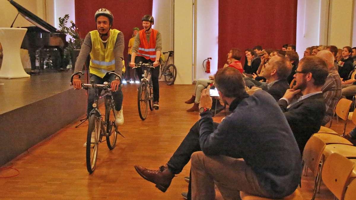 Mit-dem-Drahtesel-auf-Heimattour-Wolfratshauser-Sch-ler-erstellen-lokalen-Radtourguide