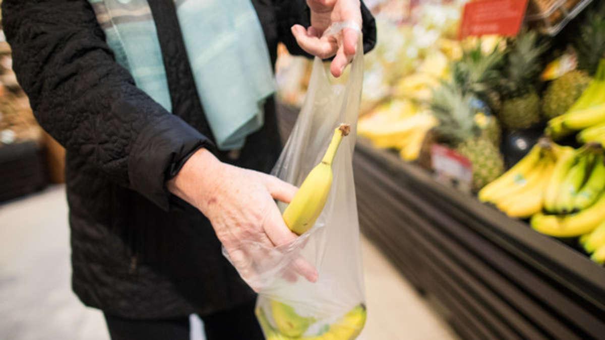 Banane-sch-len-Wer-diese-eine-Sache-beachtet-sch-tzt-sich-vor-krebserregenden-Stoffen