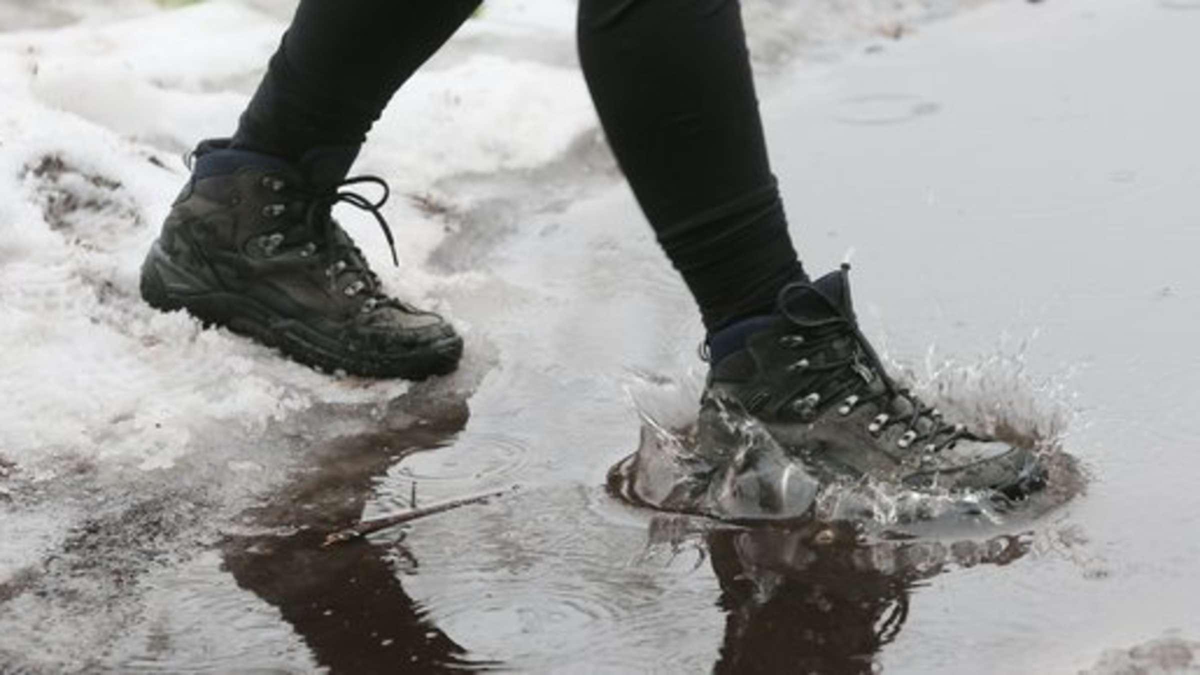 Wie oft sollte man eigentlich Schuhe imprägnieren? | Wohnen