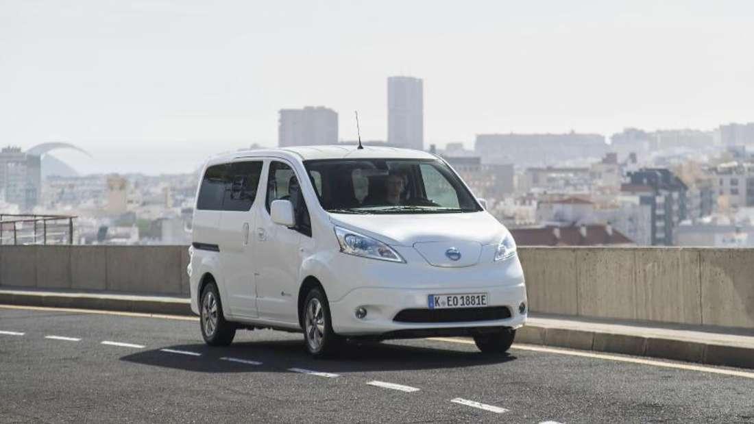 In der Modellvariante Evalia bietet der Nissan e-NV200 sieben Sitzplätze und sich damit als Familienauto an. Foto:Nissan