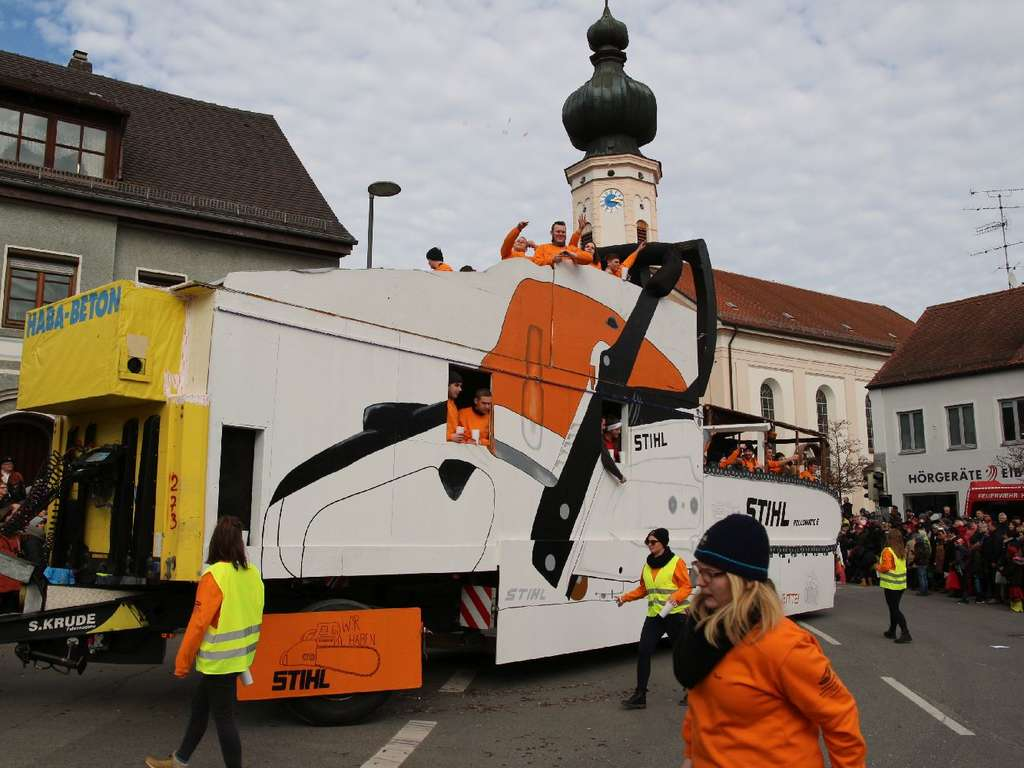 Faschingsumzug In Taufkirchen 2019 Derbleckt Was Das Zeug