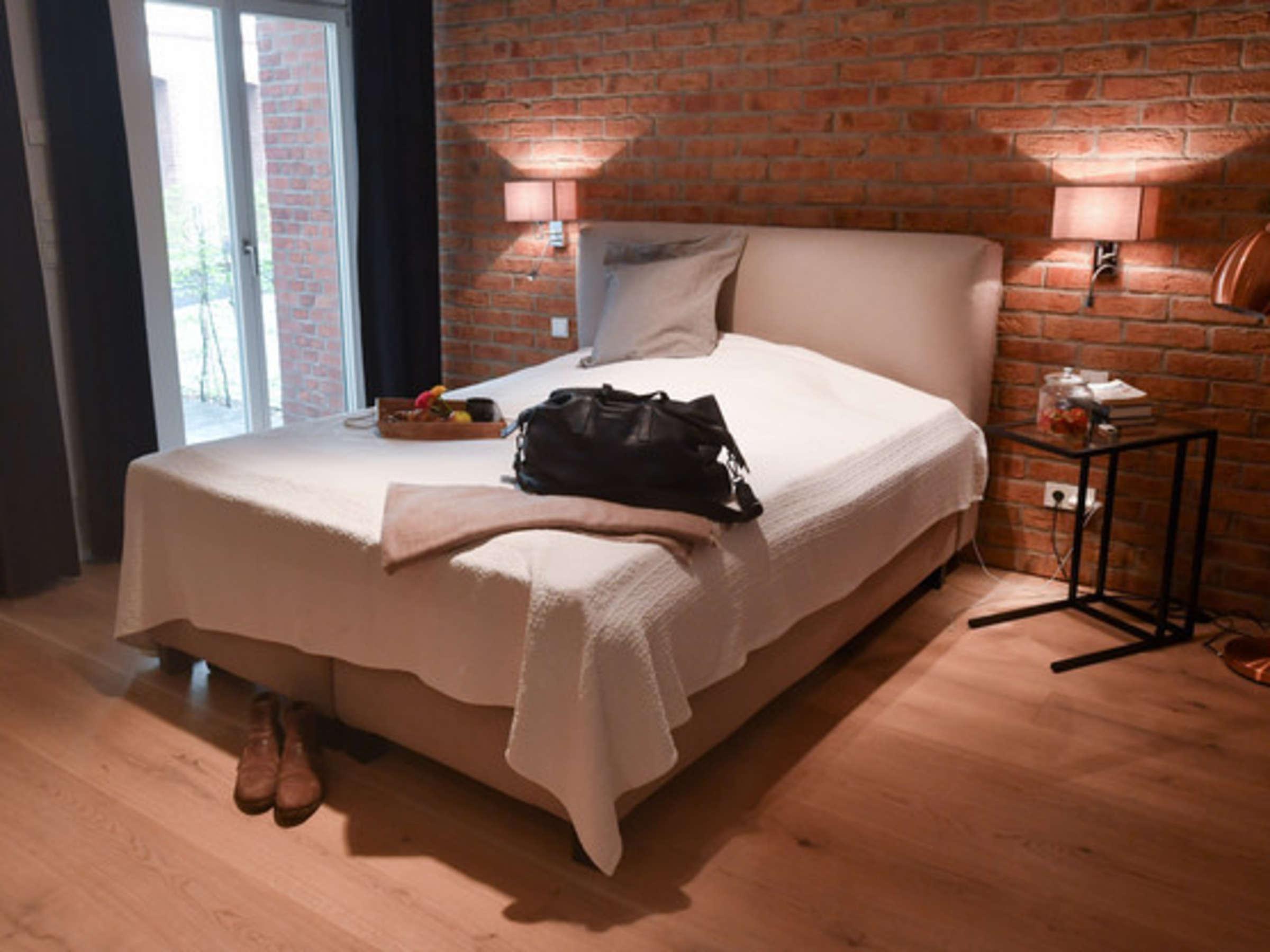 Schlafzimmer Einrichten So Schaffen Sie Mit Licht Farbe Und Deko Das Perfekte Zusammenspiel Wohnen