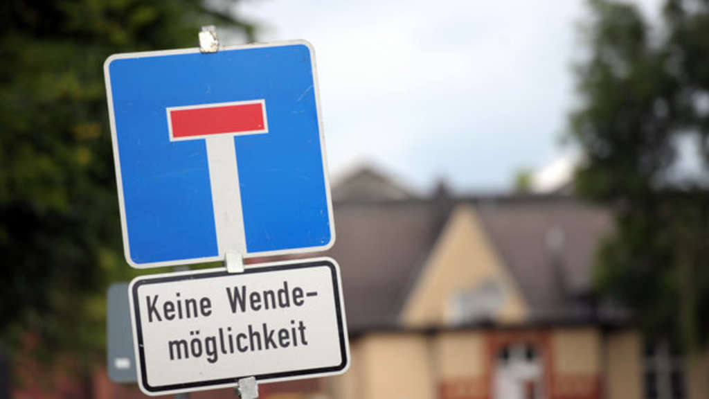 Diese Straße endet in einer Sackgasse. Doch wer hat hier Vorfahrt?