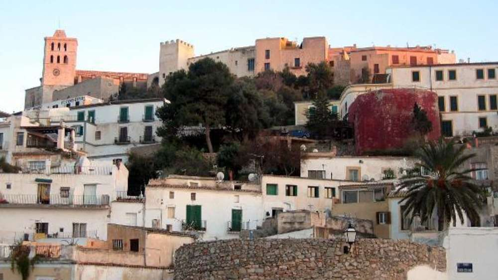 Ibiza-Affäre: Strache-Villa können Sie über Airbnb mieten | Reise
