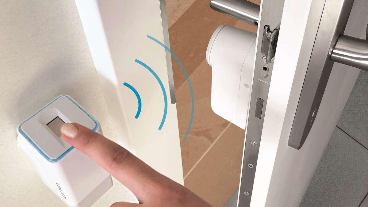 smart home ohne l stigen wohnungsschl ssel ihr finger ist. Black Bedroom Furniture Sets. Home Design Ideas