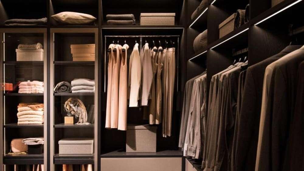 24a459c5c8ec So kommt Ordnung in den Kleiderschrank | Wohnen