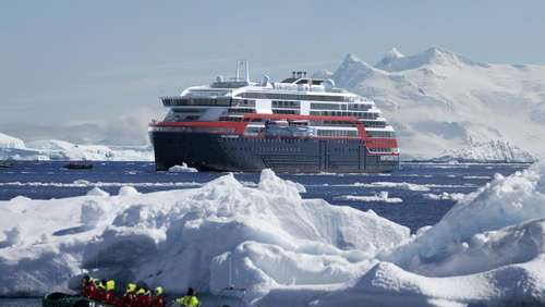 Hybrid-Expeditionsschiff von Hurtigruten sticht in See