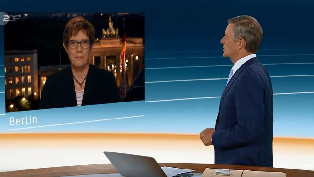 Claus Kleber interviewt Annegret Kramp-Karrenbauer.