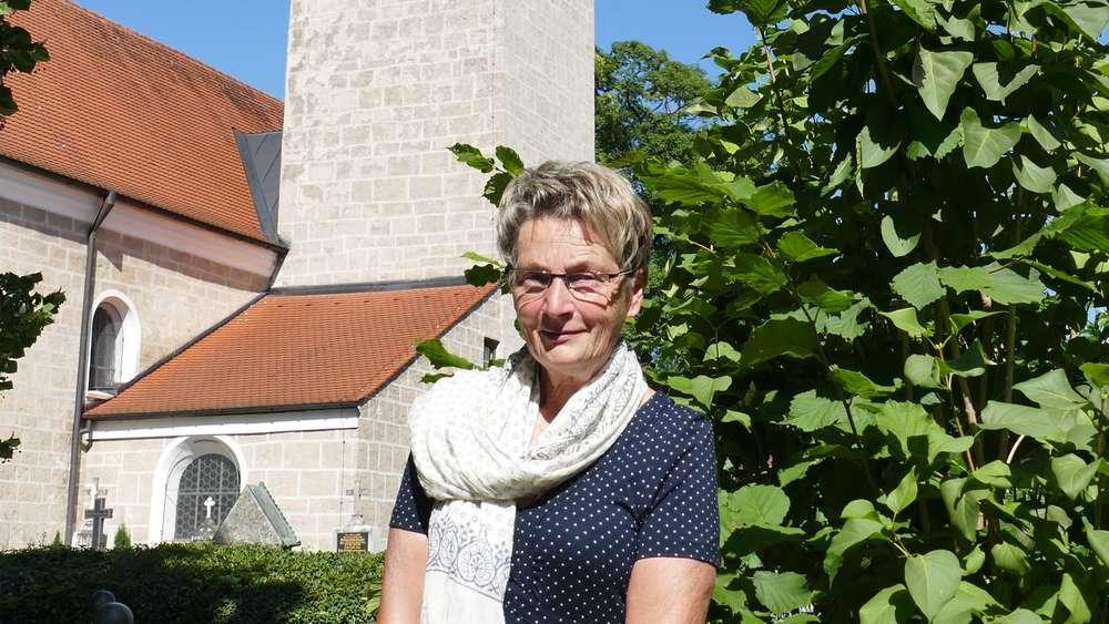 Huglfing: Zeitungszustellerin Elisabeth Englmann aus ...