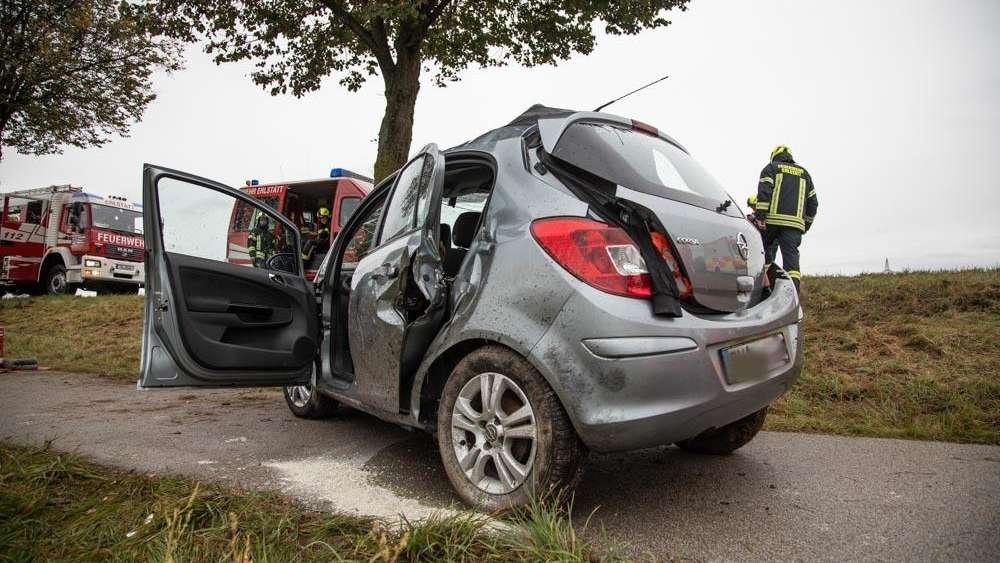 Traunsteinbayern Fahrer 33 Verliert Kontrolle Tot Bei