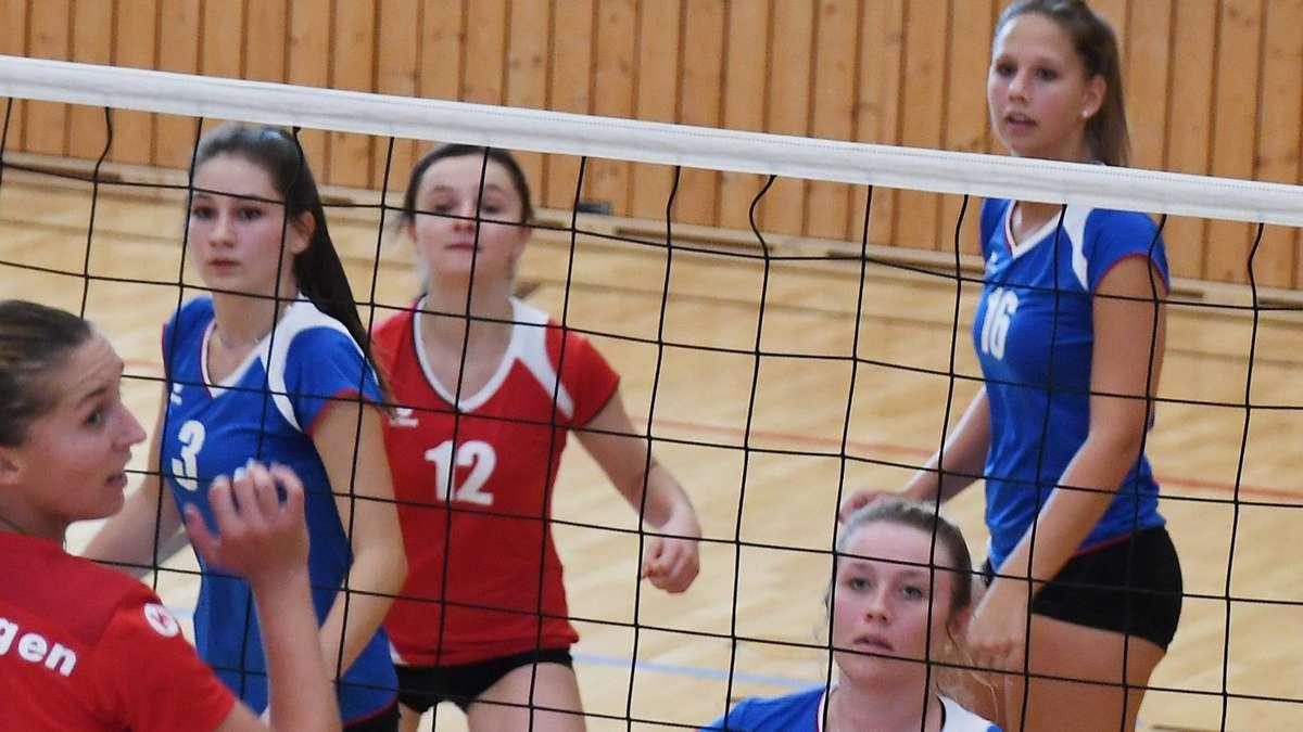 Volleyballerinnen der DJK Darching mit zu wenig Mut und Aggressivität | Landkreis Miesbach - Merkur.de