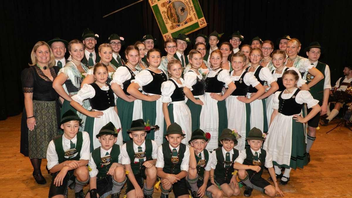 Grafing/Bayern Buntes Programm der Grafinger Trachtler in Stadthalle   Grafing - merkur.de