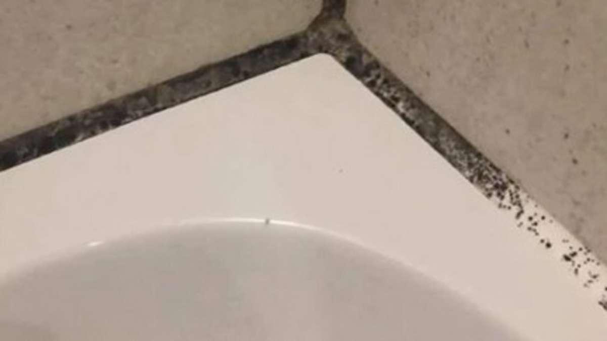 Schimmel in der Dusche plagt Frau - bis sie diesen Trick testet