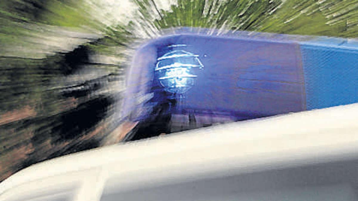 Unfall in Gauting: Anhänger löst sich während der Fahrt | Gauting - merkur.de