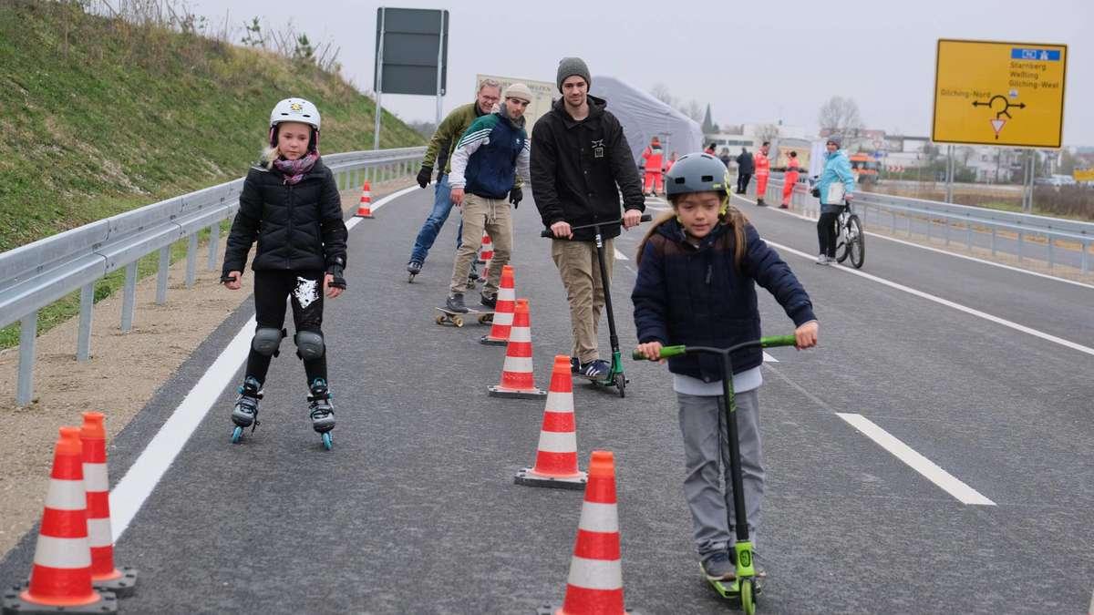 Gilching/Bayern: Slalom fahren auf der Umfahrung | Bahnhof Gilching - merkur.de