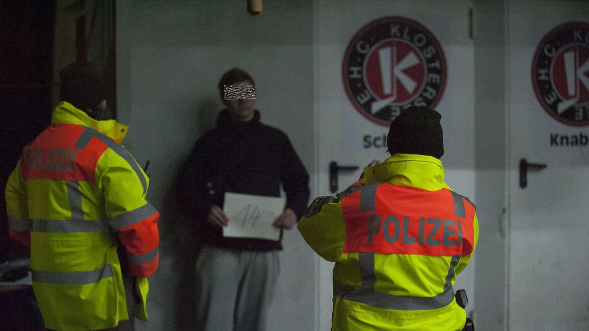Grafing/Bayern: 15 EHC-Hooligans greifen zwei Gästefans an   Grafing - Merkur.de