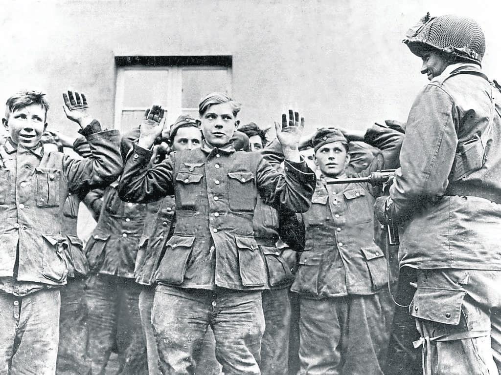 Zweiter Weltkrieg: Das mörderische Kriegsfinale in Oberbayern 1944   Bayern