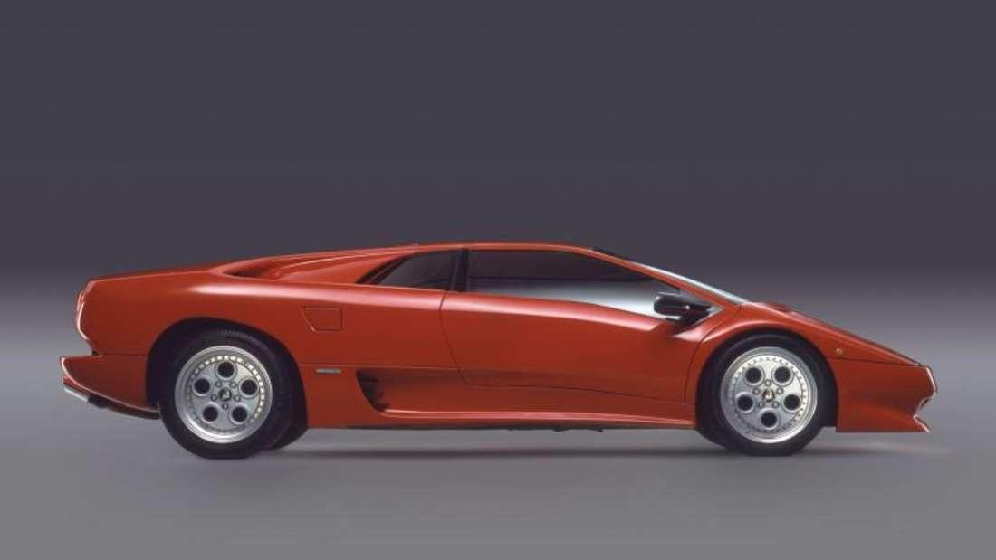 Der Diablo ist der Nachfolger des Countach - der Lamborghini galt 1990 mit 325 km/h Spitzentempo als schnellster Serienwagen der Welt.