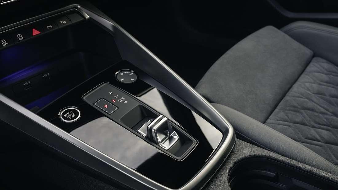 Stummelhebel jetzt auch beim Audi: So steuert man das 7-Gang-Automatikgetriebe.
