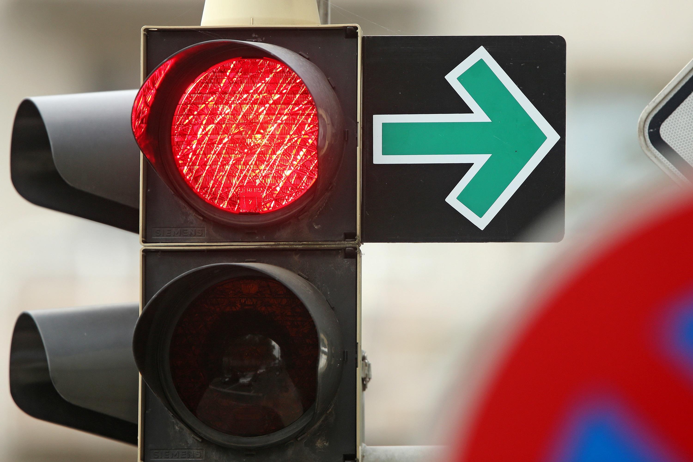 Grüner Pfeil an Ampeln: Warum die meisten Autofahrerihn falsch nutzen
