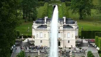 Corona Zwangspause Kolben In Oberammergau Und Schloss Linderhof Vor Eroffnung Garmisch Partenkirchen