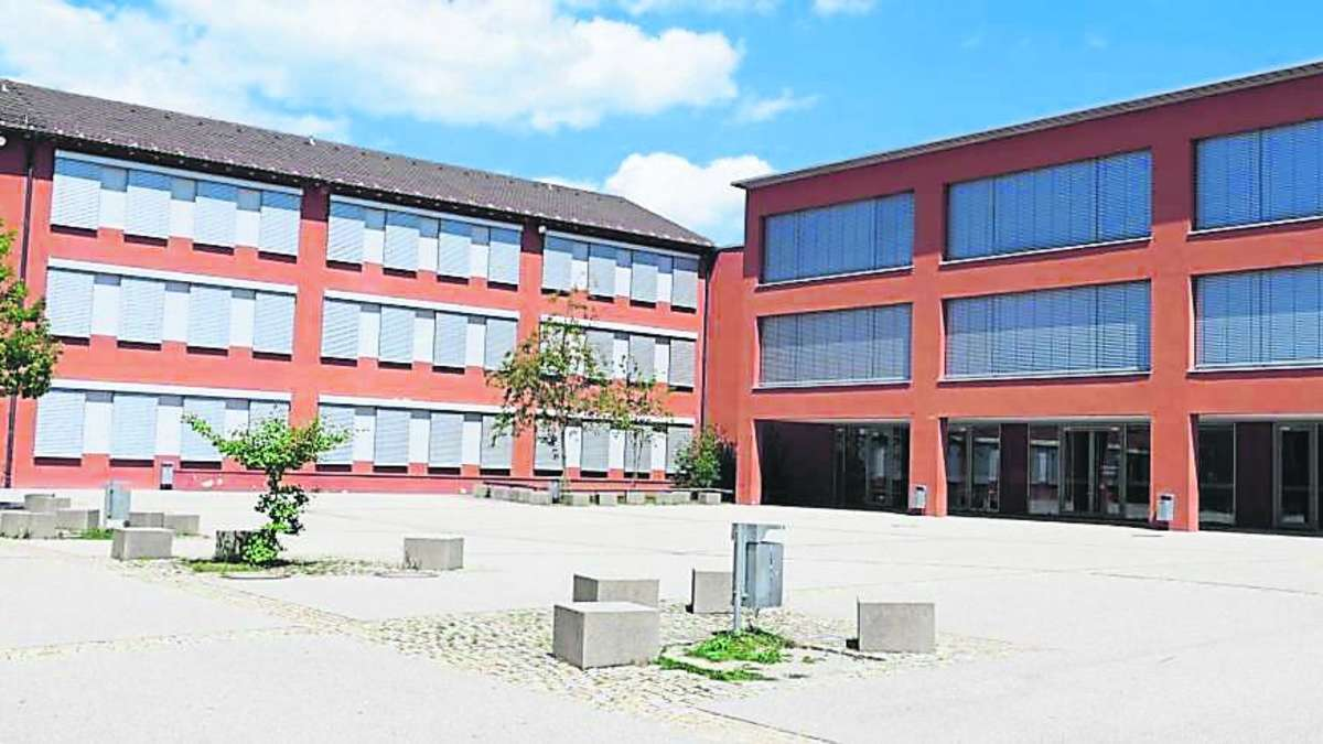 Bad Tölz: Randale im Schulhof: Unbekannte beschmieren ...