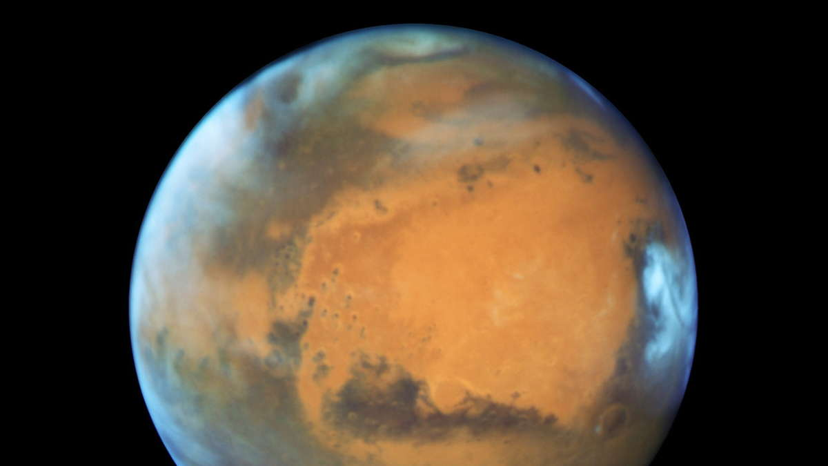 Mars to shine extra bright tonight, poised opposite the sun
