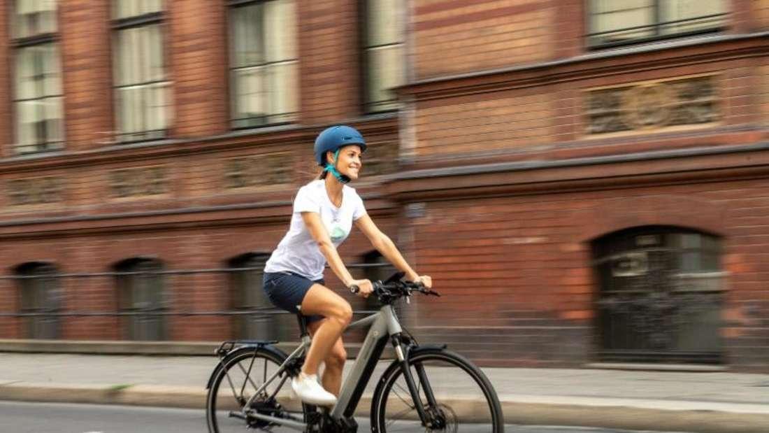 Je mehr sich E-Bikes im Alltag durchsetzen, desto komplexer wird die Technik. Foto: Zacharie Scheurer/dpa-tmn