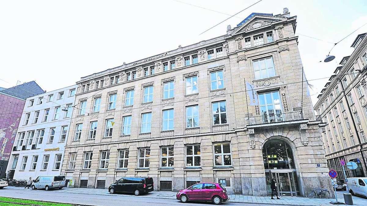 Millionen Diebstahl Bei Der Munchner Commerzbank Verdachtige Ist Zuruck Im Job In Derselben Filiale