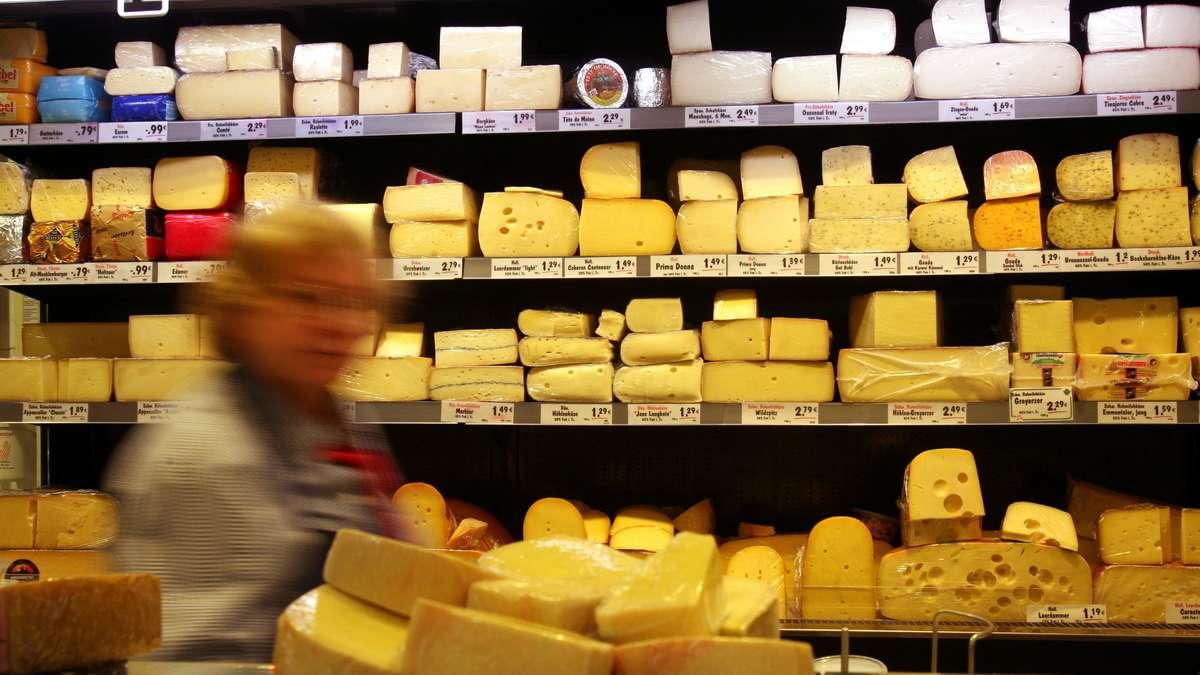 """Käse-Rückruf bei Aldi, Lidl und anderen Supermärkten: Gesundheitsgefahr! """"Schwerwiegende Erkrankungen"""" drohen"""