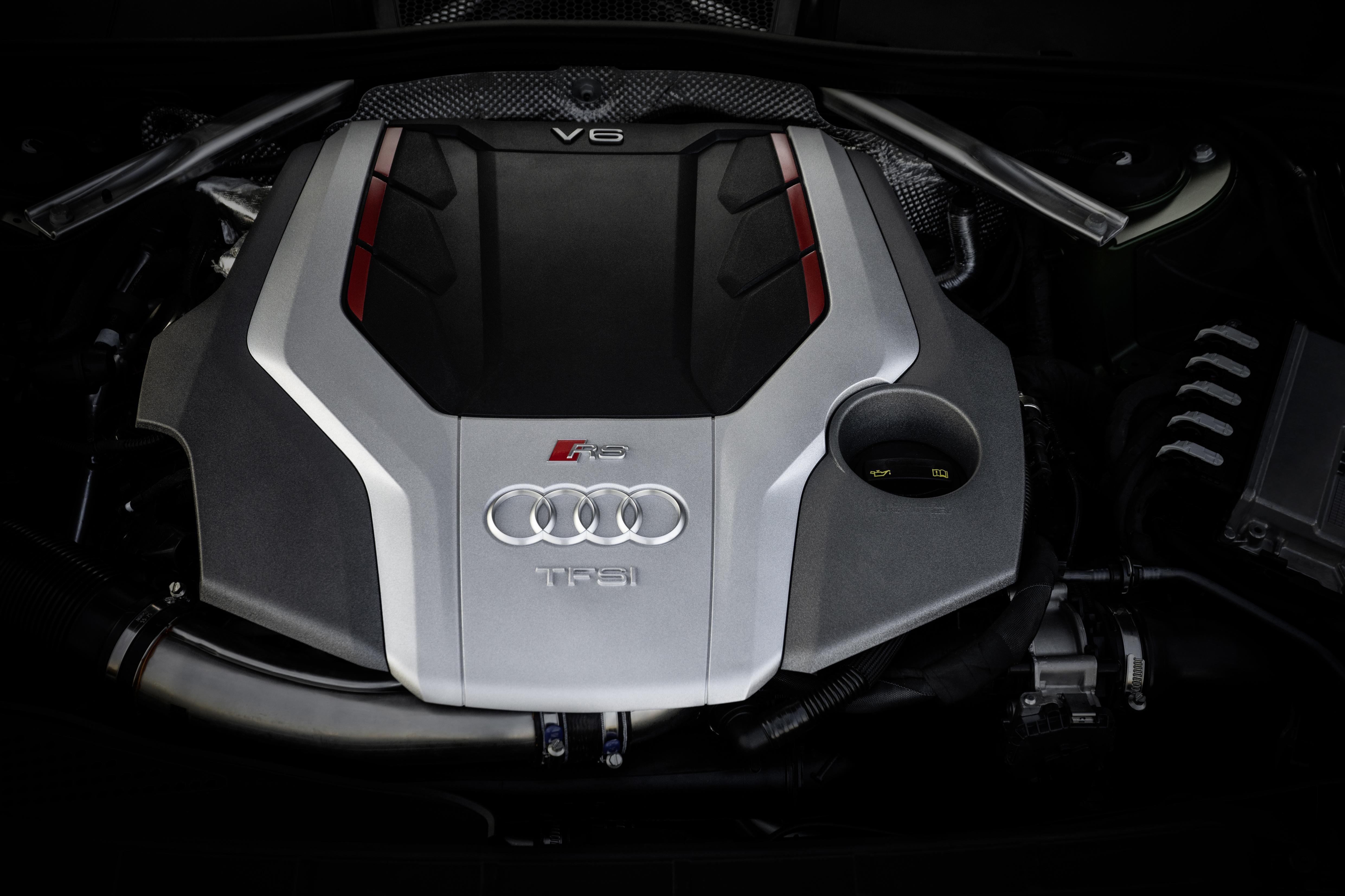 2,9 Liter Hubraum, zwei Turbolader und 450 PS - das ist der V6-Motor, der den RS 5 so schnell macht.